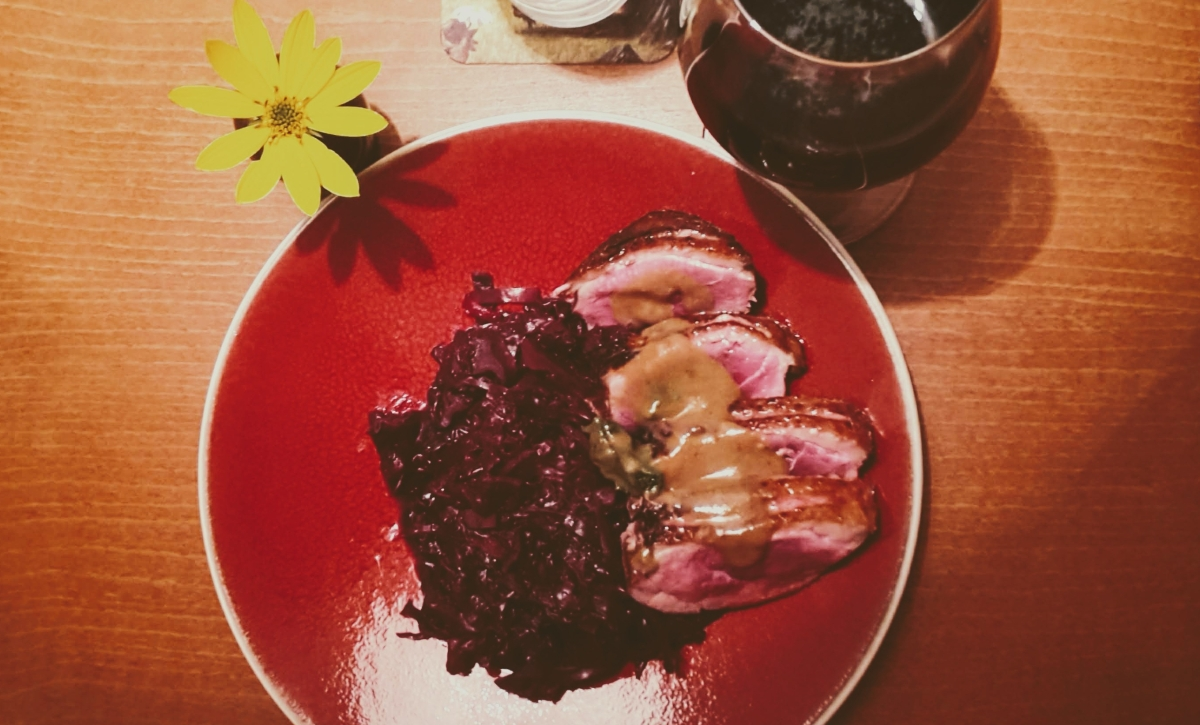 Red Cabbage With Apples AndChestnuts